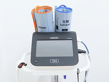 脈波計(血管年齢測定)